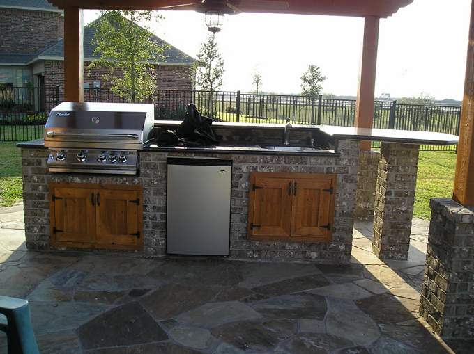 Outdoor Kitchens Houston - Decks Plus builds quality outdoor ...